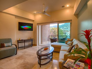 Condo La Sirena, 1 Bedroom, Steps to the Ocean, in Puerto Vallarta Romantic Zone