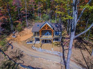 3 bedroom 31/2 bath brand- new construction Craftsman style home in Montreat!