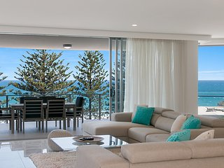 The Garland Unit 702 Beachfront Apartment in Rainbow Bay Coolangatta