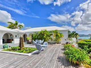 4 Bedroom beautiful view Villa (Terres Basses), Sint Maarten