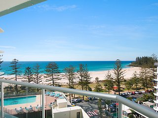 Ocean Plaza Unit 835 - Beachfront in Central Coolangatta