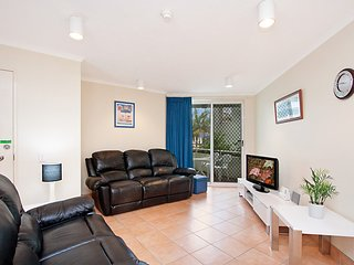 Bay Apartments unit 10 - Easy walk to Coolangatta and Tweed Heads