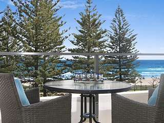 Rainbow Pacific Unit 9 - Right on the beach in Rainbow Bay Coolangatta Gold