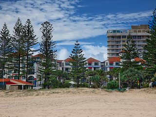 Calypso Plaza Resort Unit 417, Coolangatta