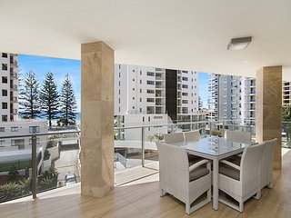Maili 6 Luxury sky home apartment in Rainbow Bay Coolangatta Wi-Fi Included
