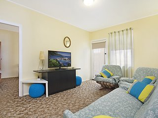 Aberdeen Flat 4 - Central Rainbow Bay