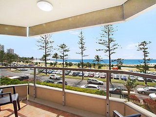 Kooringal Unit 7 - Great central location to the beach and Twin Towns Services c