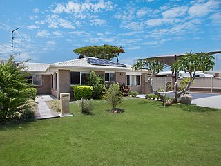 2/24 Keith Compton Drive - Pet Friendly River View Duplex - Tweed Heads