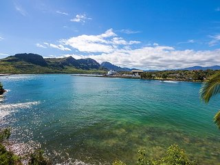 Pali Kai Studio B, Cozy Rustic Charm, Amazing Ocean and Mountain Views, AC