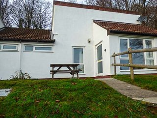 MANICOMBE 33, bungalow, on-site facilities, 3 bedrooms near Gunnislake, Ref