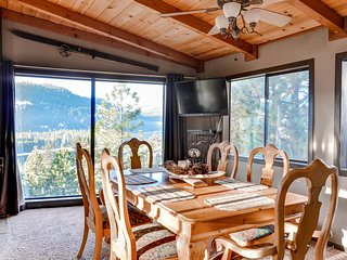 Rustic 3BR Cabin in Truckee, CA - View 4th of July Fireworks on Donner Lake from the Living Room! Close to Sugar Bowl Ski Area - Last minute discounts