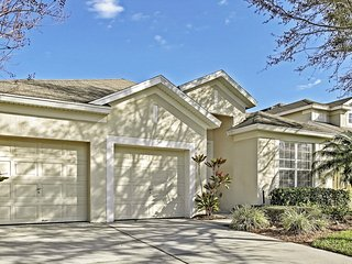 Luxury 4BR Kissimmee Pool House Near Disney with Game Room - Windsor Hills Community!