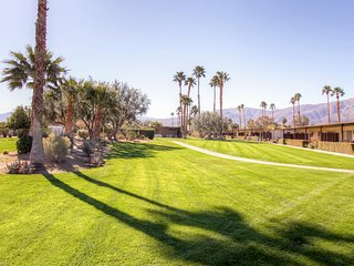 2BR Borrego Springs Condo w/Community Pool & Hot Tub - 5 Minutes to Downtown!