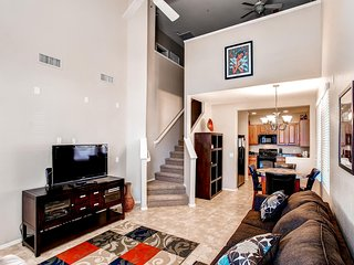 Delightful 2BR Condo w/Community Pool Access in Surprise - Near Mariners Spring Training!