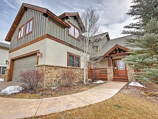 Luxurious 3BR Gypsum House w/Mountain Views!