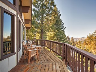 Great 2BR Mountain View House in Running Springs w/ AC, WiFi, Satellite TV and More - Dog Friendly!