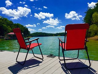HGTV Featured: LAKEFRONT Vacation Home BOOK NOW!