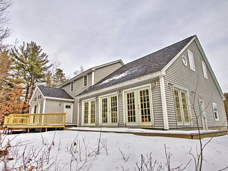 Charming 3BR + Loft Center Ossipee Home w/Wifi, Charcoal Grill & Fire Pit – Walk to the Water & Boat Ramp! Just 15 Minutes From the Ski Slopes!
