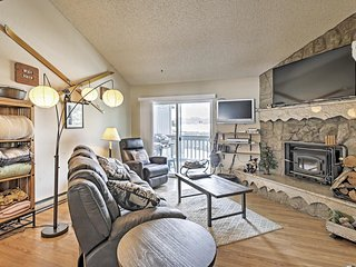 3BR Fraser Townhome w/Pool Access- Close to Skiing