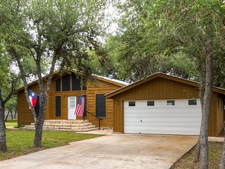 Scenic 3BR House Situated on Several Acres on Canyon Lake w/Private Gazebo