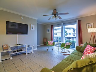 Splendid 1BR Ocean Springs Townhome w/Wifi, Private Balcony, Terrific Views
