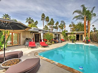 Spectacular 4BR Palm Springs Home w/ Huge Private Swimming Pool!