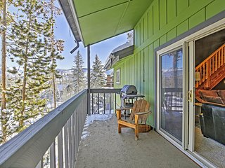 Alluring 2BR Winter Park Condo w/Additional Sleeping Loft, Sauna, Private Patio & Magnificent Mountain Views - Just 1 Mile from Downtown! Ideal Location for Skiers & Outdoor Enthusiasts!