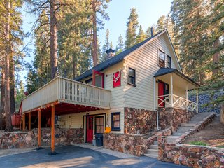 3BR Big Bear Cabin w/Private Hot Tub, Sauna, & Great Big Yard w/ Fire Pit and