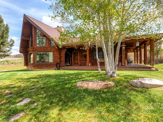 Rustic & Spacious 2BR Coalville House w/Wifi, Stunning Mountain Views & 40 Private Acres of Land - Just Minutes from Park City, Restaurants & Shopping!