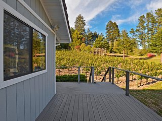 Extraordinary 2BR Sebastopol Townhome w/Wifi, Private Porch & Fantastic Mountain Views - Set on a Premium Pinot Noir Vineyard!