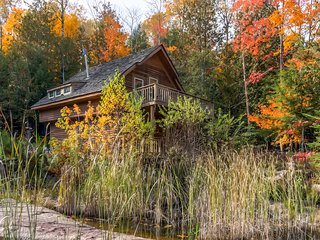 Newly Renovated! Serene 3BR + Loft Mountain Cabin Surrounded by National Forest w/Oconto River Access, Private Dock, 2 Decks & More - A Totally Off-The-Grid, Eco-Friendly Escape!