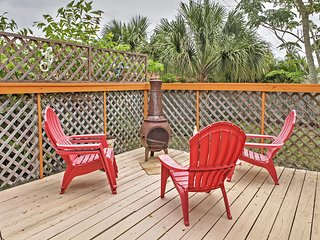 Enchanting 2BR Jensen Beach House w/Private Screened-In Pool, Wifi & Surrounded by Beautiful Gardens - Minutes from Beaches, Shopping, & Other Attractions!