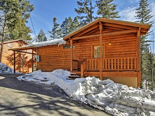 'Copper Top' Charming 2BR Cloudcroft Cabin w/Fireplace, Private Covered Deck