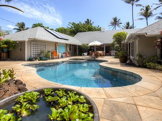 Quaint Beachside 1BR Kailua Cottage w/Wifi, Private Yard & Pool/Hot Tub Access - Peaceful Neighborhood Location! Just Steps from the Beach!