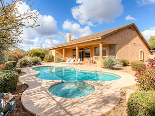 Elegant & Spacious 4BR Scottsdale Home w/Private Pool, Sweeping Mountain Views - Within 5 Miles of Major Attractions, Restaurants & More!, Rio Verde
