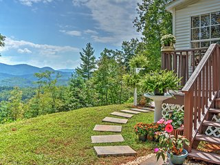 NEW Listing! 2BR Smoky Mountains House w/Panoramic Views!