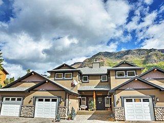 NEW! 'North of Center' 3BR Castle Mountain Ski Resort Condo!, Pincher Creek