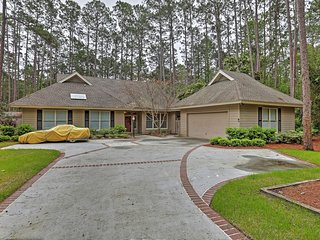 Magnificent 3BR Hilton Head Island House w/Wifi, Enormous TV & Private Pool - Less Than 10 Minutes to the Beach! Perfect for a Winter Getaway!