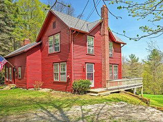 Tranquil 3BR Stockbridge House w/Private Deck