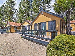 Lakefront 1BR Tahoe Vista Cabin w/Wifi, Private Deck & Breathtaking Lake Views - Close to an Abundance of Amazing Outdoor Attractions!