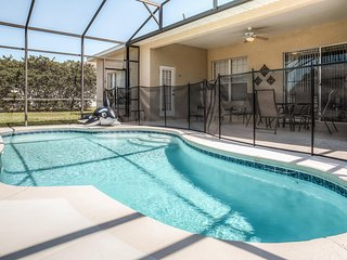 New Listing! Stylish 5BR Kissimmee Home w/Wifi, Private Outdoor Pool & Patio Area - Close Proximity to Disney World, Universal Studios, Golf, Shopping & Restaurants!