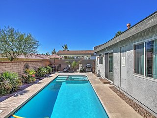 Elegant 2BR Palm Springs House w/Wifi, Private Pool & Hot Tub - Close to