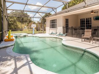 Elegant 4BR Kissimmee House w/Wifi, Game Room, Private Pool + Patio Area - Minutes to Disney, Universal Studios, SeaWorld & All Your Favorite Orlando Area Attractions!