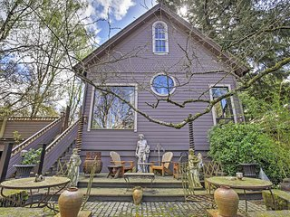 Unique & Charming 2BR Portland Apartment w/Wifi & Beautifully Landscaped Yard! Awesome Location Near Abundant Recreation & Nature - Just 10 Minutes to Downtown Portland!