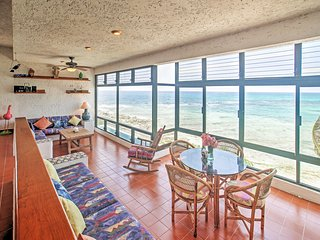 Vibrant 2BR Akumal Condo w/Wifi, Private Beach Access & Breathtaking Views of Half Moon Bay - Within Walking Distance of Stunning Yal-Ku Lagoon!