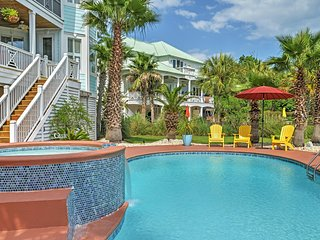 Breathtaking 4BR Murrells Inlet House w/Wifi, Private Swimming Pool, Spa & Luxurious Interior!