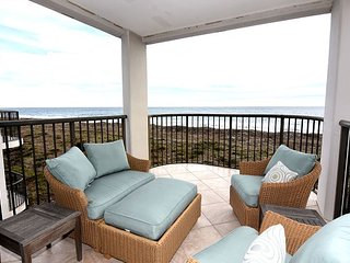 DR 1403- Beautiful oceanfront condo at Duneridge Resort