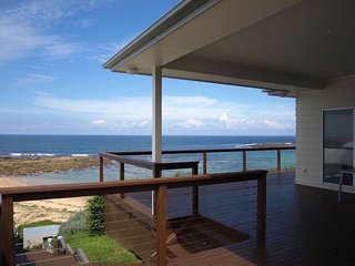 Talinga, absolute beachfront with panoramic views, Toowoon Bay
