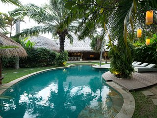 Marakarita, Spacious 4/5 Bedroom Villa-Nr Beach-Seminyak