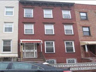 BROOKLYN-HIGH CEILINGS, PERIOD DETAILS, Brooklyn